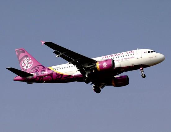 самолет Hunnu Air